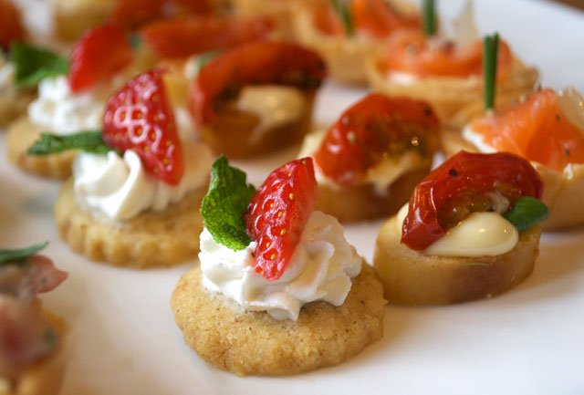 Canape canaps u bowl food with canape perfect luxury for Best canape book